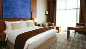 Jeden z pokojů v hotelu Yas Island Rotana, Abu Dhabi