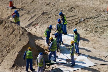 Dubajští zaměstnanci na stavbě